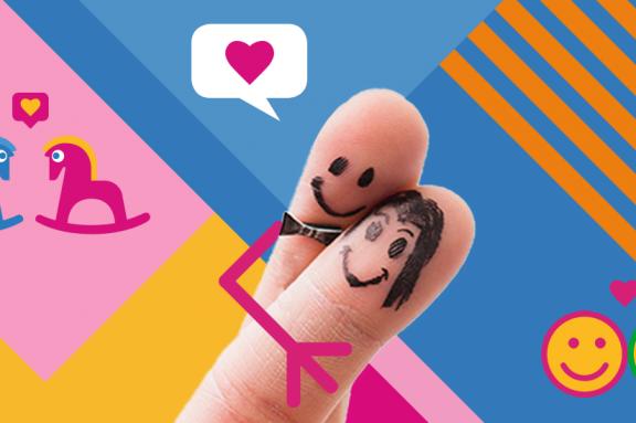 Zwei sich umarmende bemalte Finger